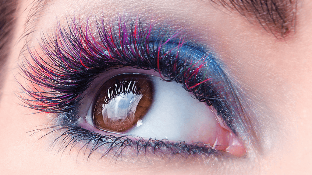 #Tendência: cílios coloridos são a nova moda na maquiagem