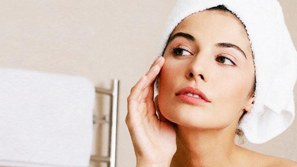 Xô oleosidade: dicas para cuidar melhor da sua pele
